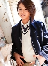 Tsubasa Akimoto in sexy uniform enjoys her way to school